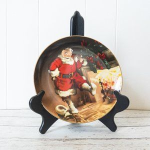 🌻 2/$25 Knowles Santa by the Fire Collector Plate